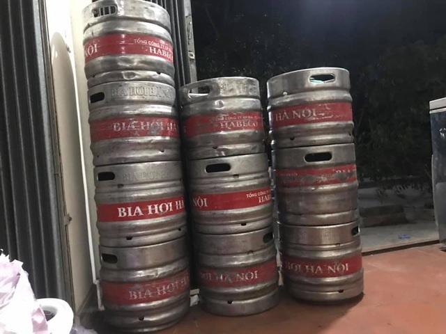 Bia hơi 'nhạt như nước ốc', dân nhậu nghi pha thêm nước lọc
