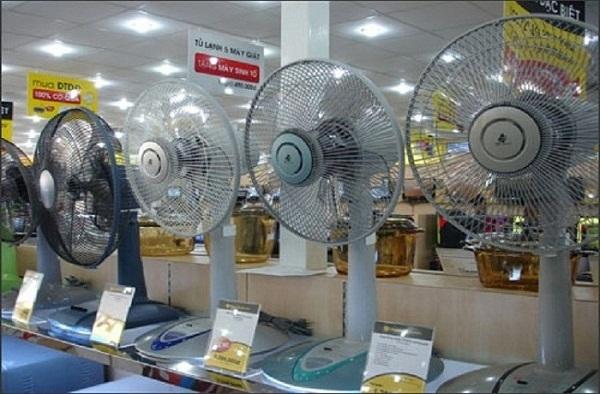 Loạt siêu thị điện máy 'tung chiêu' siêu khuyến mại tới 50% để hút khách