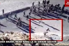 Video cuộc đụng độ giữa hơn trăm lính Ấn Độ và Trung Quốc