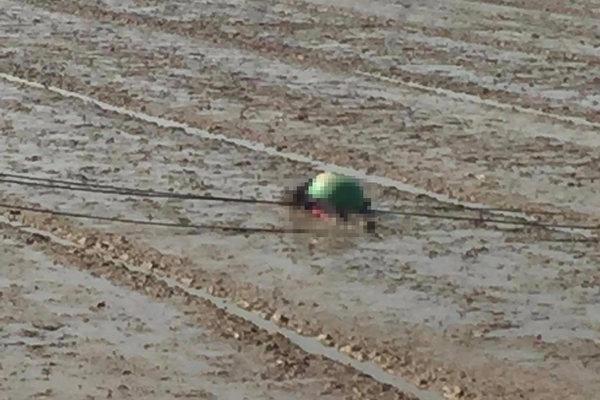 Ra thăm đồng, 1 phụ nữ ở Quảng Trị bị điện giật tử vong do cột điện đổ