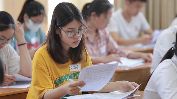 Tuyển sinh trường Doanh nhân CEO Việt Nam: Phụ huynh dự tuyển cùng con