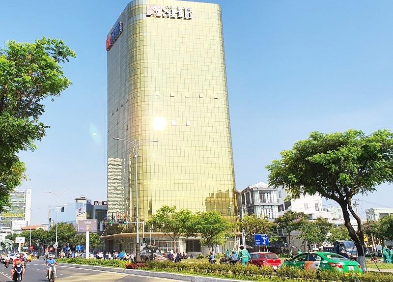Đà Nẵng xem xét đề xuất dán film chống phản quang ở tòa nhà 'dát vàng'