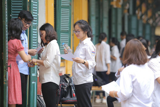 Education Ministry sets tough rules for schools to organize their own entrance exams