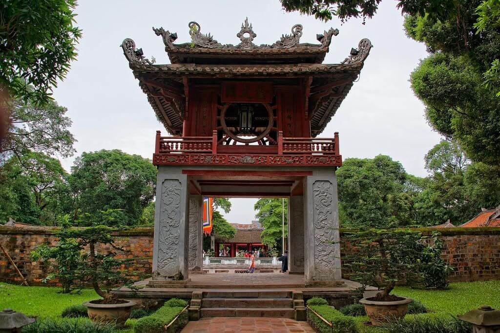 Nhiều di tích ở Hà Nội mở cửa trở lại