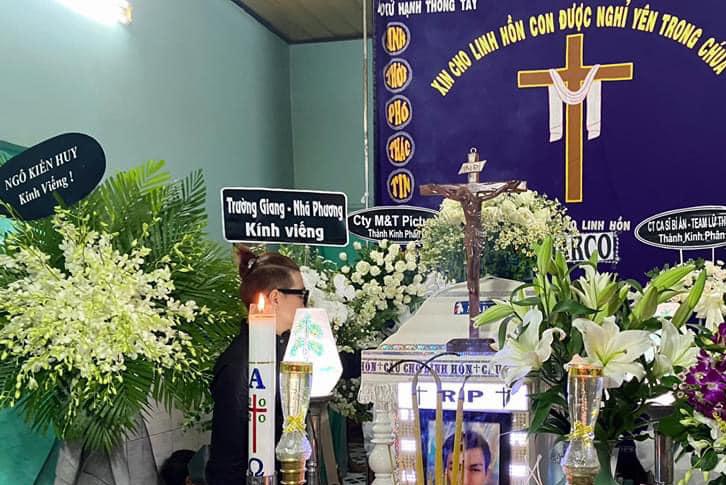 Đàm Vĩnh Hưng, Vũ Hà xót xa khi đến viếng NTK Ken Nguyễn