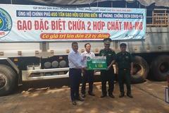 Báo VietNamNet trao tặng 4 tấn gạo cho tỉnh Đắk Nông