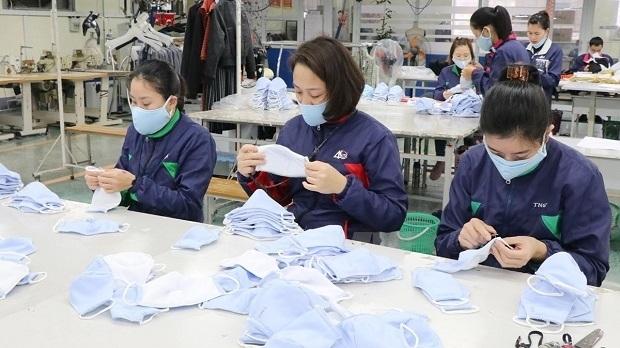 Door opens for Vietnam's export of face masks
