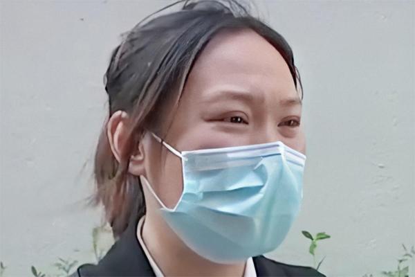 Người phụ nữ ngủ vẫn mở mắt sau cắt mí 1 năm