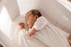 Lấy máu gót chân - xét nghiệm sàng lọc sơ sinh nên làm