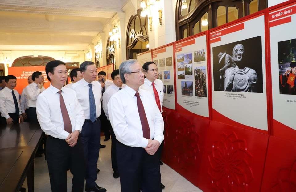 Vinh danh các tác phẩm học tập và làm theo tư tưởng, đạo đức Hồ Chí Minh