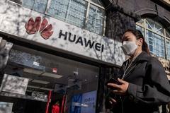 Mỹ tiếp tục 'cấm cửa' Huawei thêm một năm