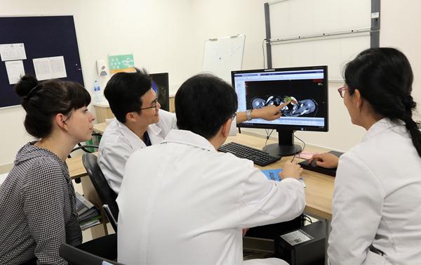 Bệnh viện Vinmec: Xạ trị ung thư chuẩn tới từng milimet