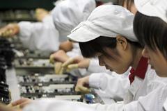 Nhà máy iPhone thưởng kỷ lục cho công nhân sau đợt lũ