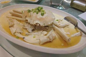Loài cua trắng bóc, to tướng, thịt vô cùng thơm ngon hút hồn bà nội trợ Việt