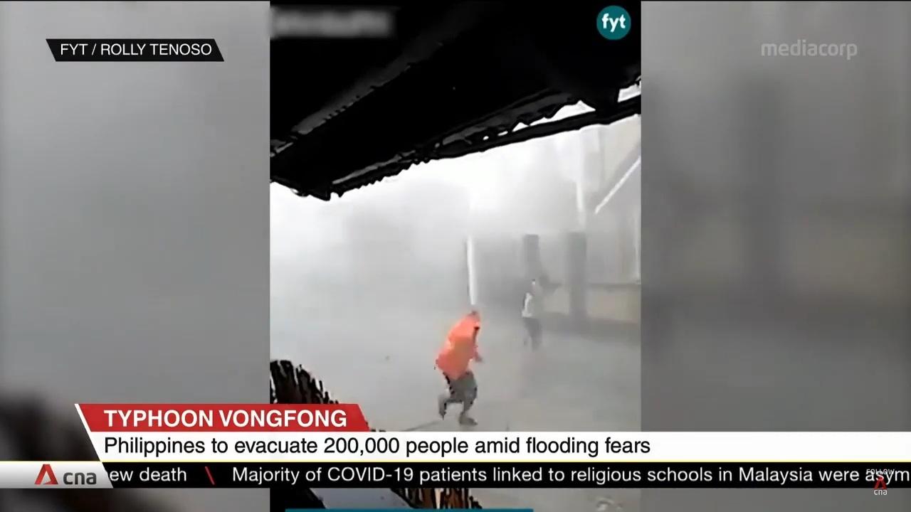 Philippines sơ tán hàng trăm nghìn dân tránh bão đổ bộ