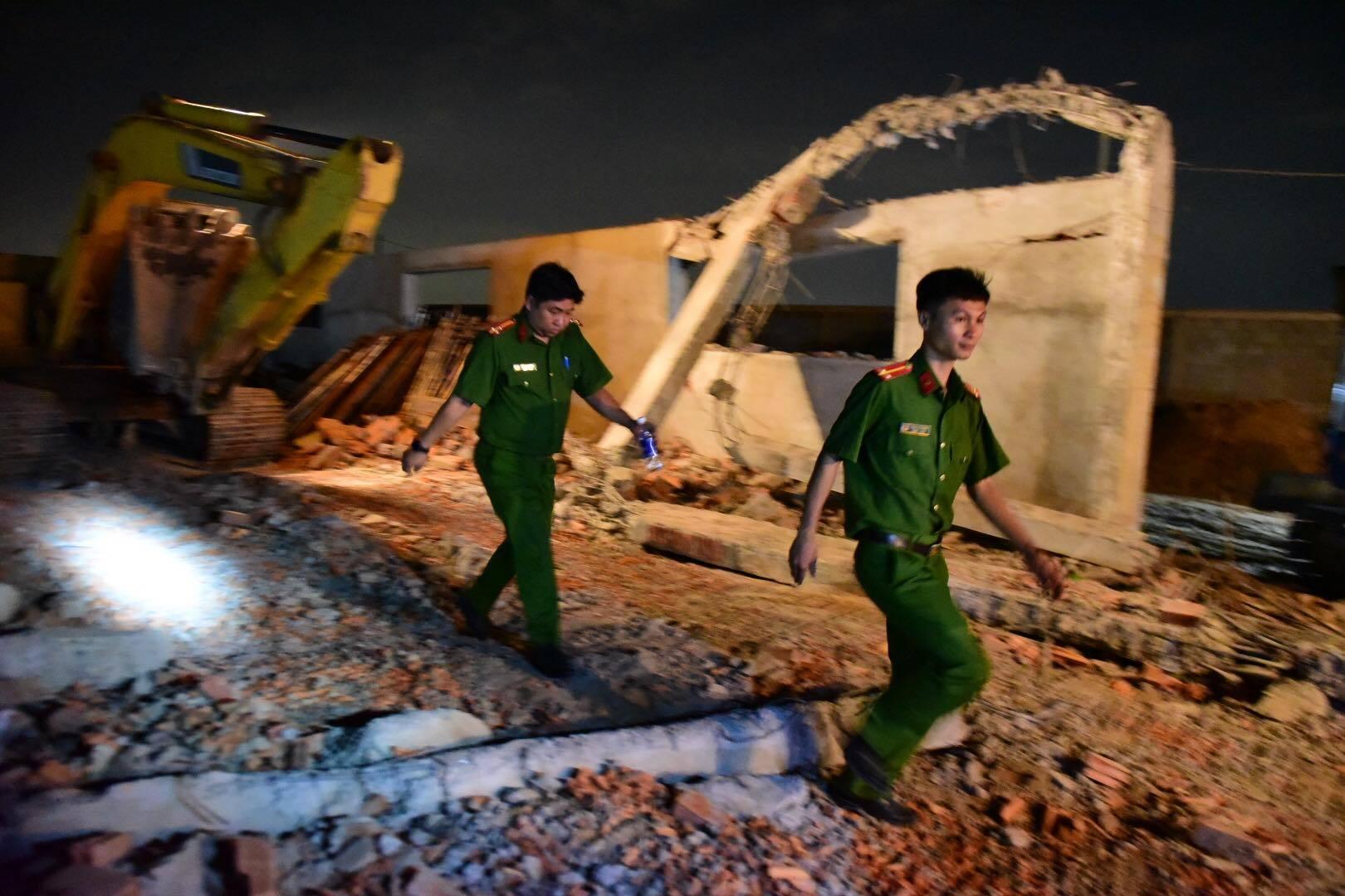 Sập tường chết 10 người, đơn vị thi công nhắc đến cơn gió lốc mạnh