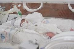 Liên tiếp cấp cứu các ca sinh cực non do người mẹ viêm đường sinh dục