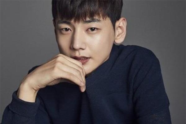 Diễn viên Park Ji Hoon qua đời tuổi 31 vì ung thư dạ dày