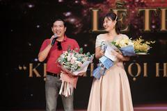 Quang Thắng, Thanh Hương, Tiến Minh nhận giải 'Cống hiến'