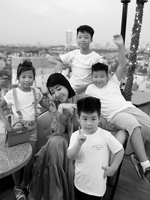 Nữ giám đốc Hà Nội 5 con vẫn trẻ đẹp như hot girl