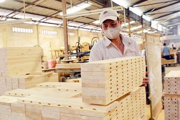Vượt qua vòng xoáy, thế mạnh Việt Nam chớp cơ hội 12 tỷ USD