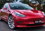 Ăn trộm Tesla Model 3, tên trộm bị nhốt cứng trong xe bởi thẻ khóa phụ