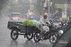 Mưa lớn sau chuỗi ngày nắng nóng, Sài Gòn vào mùa mưa