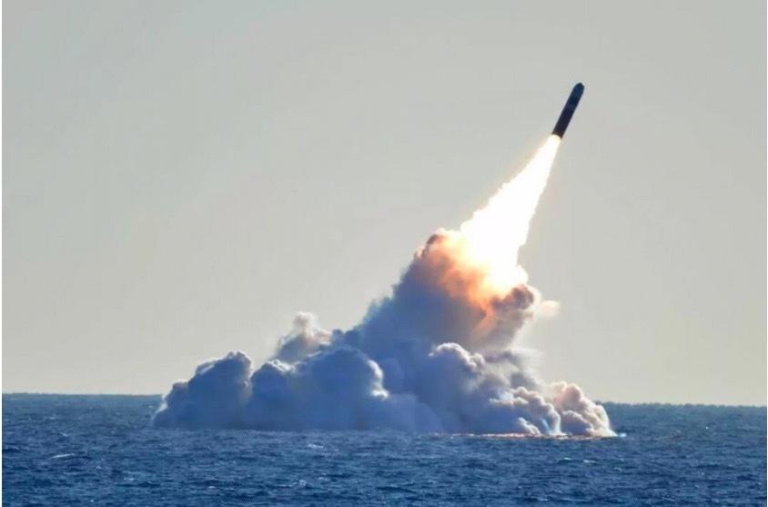 Trung Quốc lộ bí mật khi trao giải cho kỹ sư tên lửa