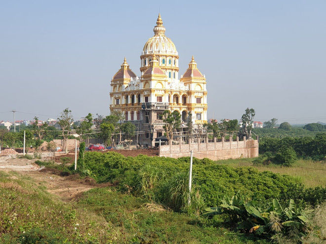 Xôn xao lâu đài 'khủng' của đại gia Hưng Yên