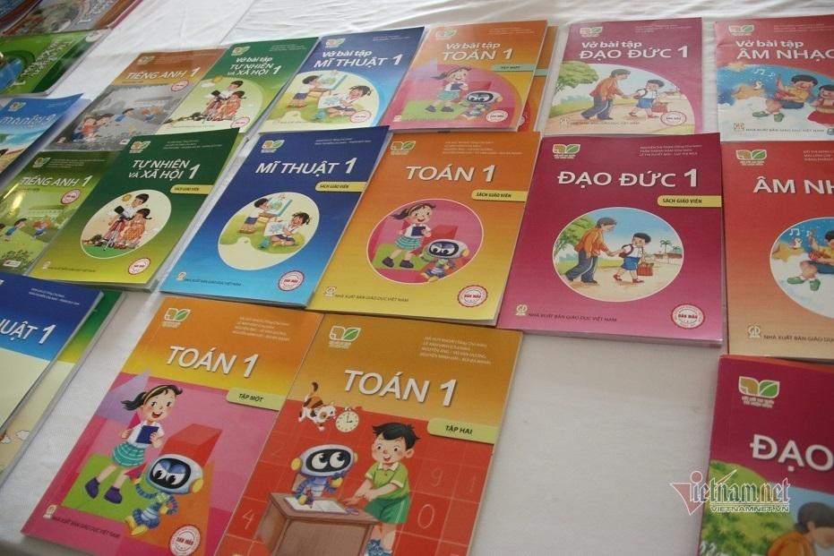 Các tỉnh, thành lựa chọn sách giáo khoa lớp 1 nào cho năm học tới?