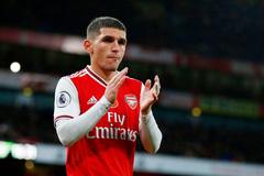 """Bất mãn HLV trưởng, """"sao"""" Arsenal đánh tiếng ra đi"""