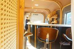 Toa tàu hỏa có quầy bar, ghế massage thư giãn sang chảnh nhất Việt Nam