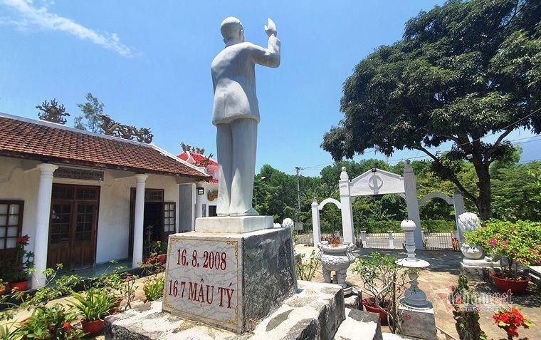 Cựu chiến binh dựng tượng, xây nhà thờ Bác Hồ hơn 1.000m2