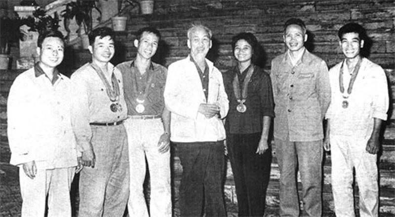 Nữ kình ngư 2 lần gặp Bác Hồvàcon đường thành vô địch châu Á