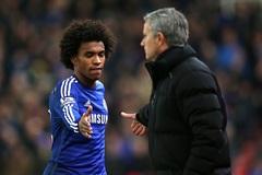 """Willian đáp trả tin """"đi đêm"""" với thầy cũ Mourinho"""