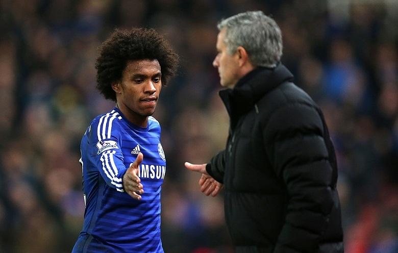 Willian đáp trả tin 'đi đêm' với thầy cũ Mourinho