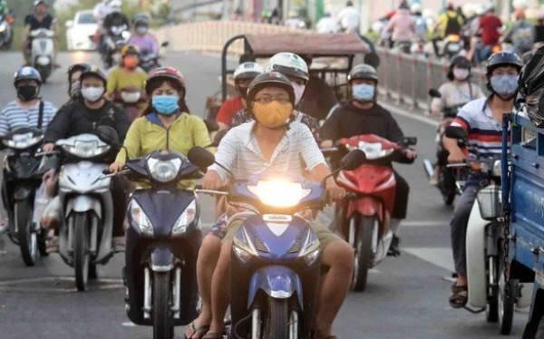 Nhìn những hình ảnh này sẽ hiểu vì sao phải bật đèn xe máy ban ngày
