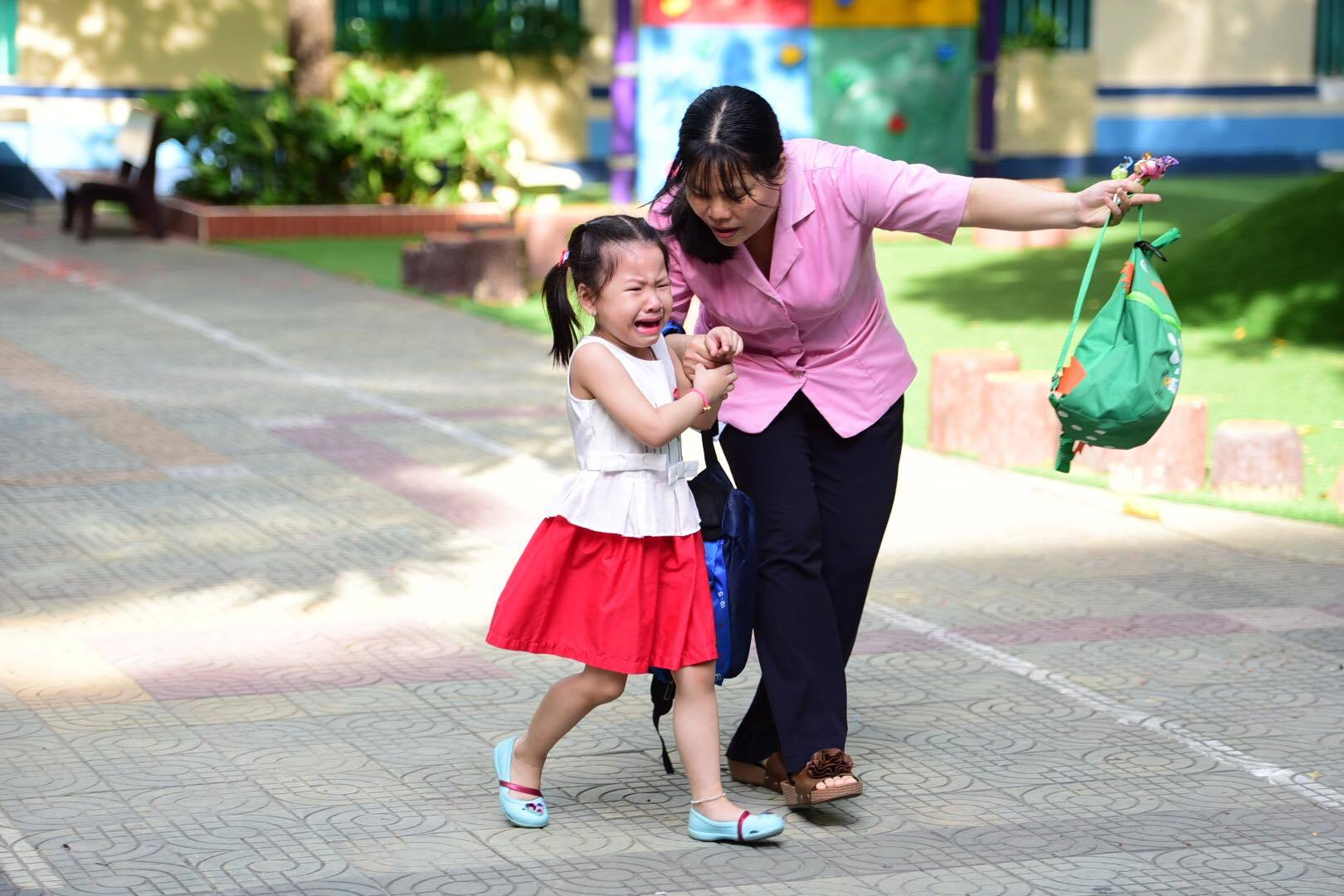Bé 5 tuổi ở Sài Gòn 'gặp lại bạn, gặp lại cô'