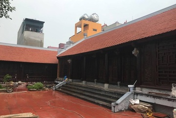 Đại gia Việt tuổi xế chiều chi tiền tỷ xây nhà gỗ truyền thống