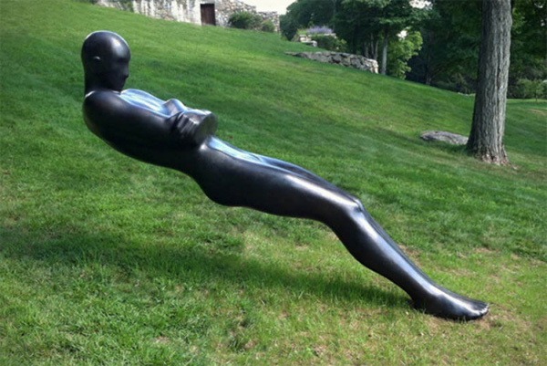 Những tác phẩm điêu khắc kỳ lạ bất chấp mọi định luật vật lý
