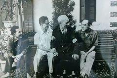 Chuyện ít biết về gia đình nhà văn, nhà báo nhiều lần được gặp Bác Hồ