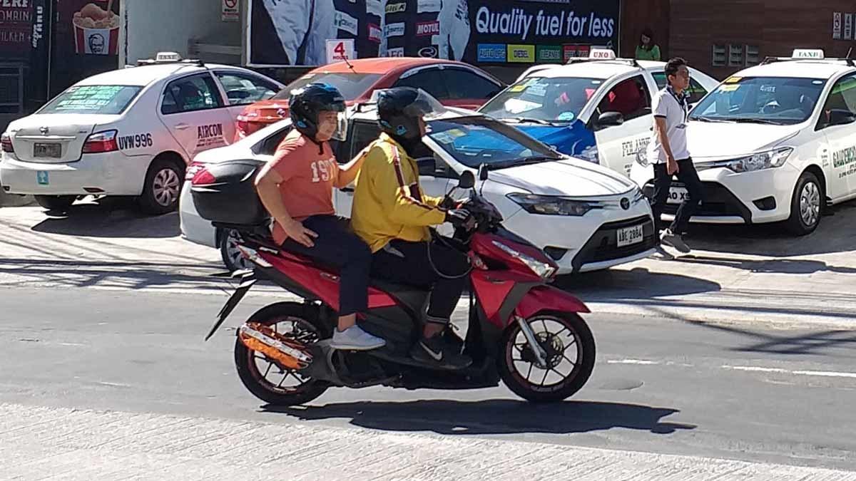 Tài xế xe ôm công nghệ Philippines nhận được trợ cấp tiền mặt từ chính phủ
