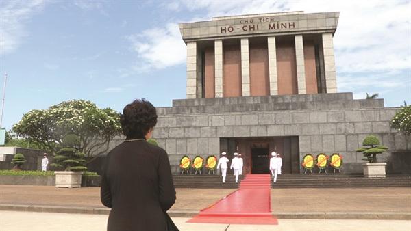 President Ho Chi Minh,an idol,swimmer Vu Thi Sen,gold medals