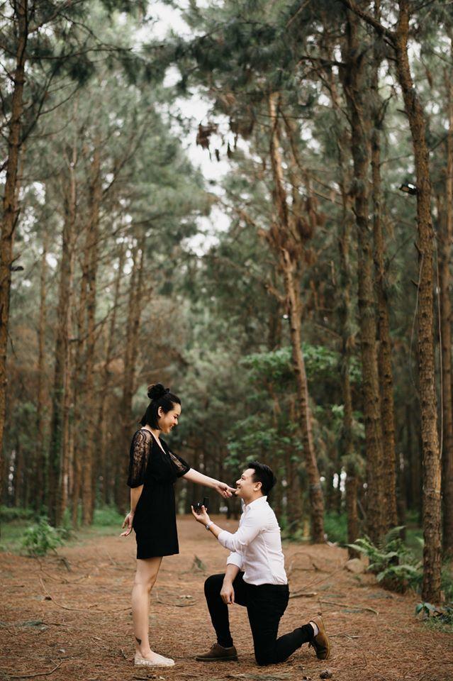 Vũ Hạnh Nguyên bất ngờ khi nhạc sĩ Đức Cường quỳ gối cầu hôn