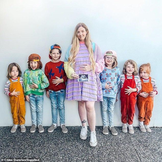Bà mẹ 8 con chia sẻ bí quyết nuôi con trong yên bình