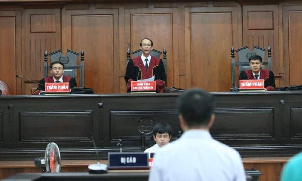 Chồng ca sĩ Trang Nhung thoát tội trong đại án VN Pharma