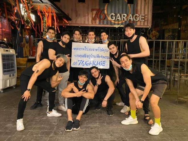 Tuyển shipper toàn người mẫu, doanh thu hàng ăn ở Thái Lan tăng 'chóng mặt'