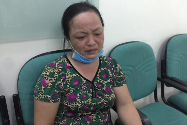 Nghẹn lòng vợ ung thư nén đau chăm chồng tai nạn nguy kịch