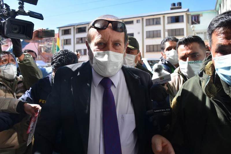 Bộ trưởng Y tế Bolivia bị bắt vì nâng khống giá máy thở điều trị Covid-19
