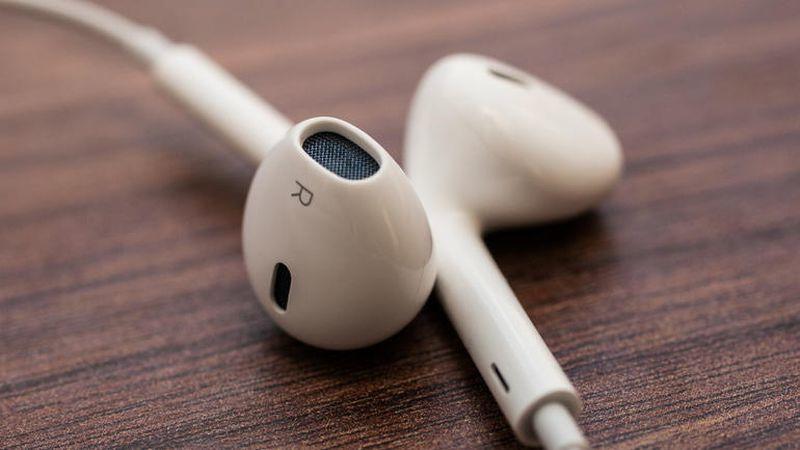 Sẽ không có EarPods theo hộp iPhone 12, Apple muốn ép người dùng mua AirPods?